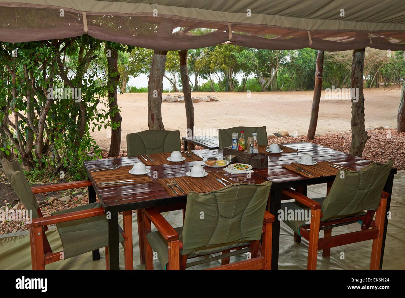El Bush Lodge, Parque Nacional Reina Elizabeth, Uganda, África Imagen De Stock