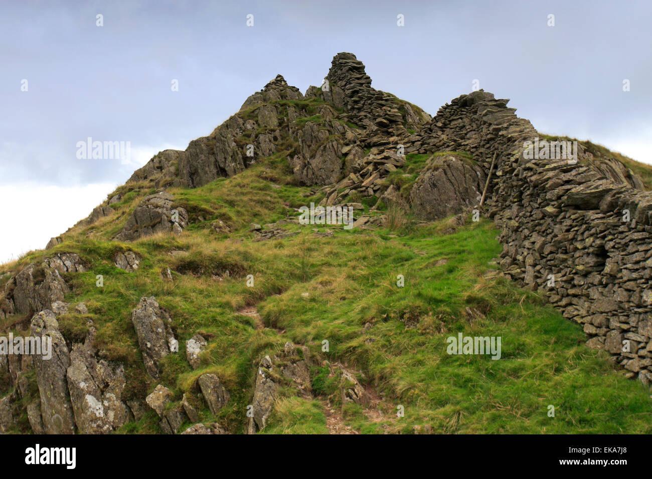 La vista horizontal a lo largo de la cima de la baja Pike cayó, Fairfield Horseshoe fells, Lake District National Park, Condado de Cumbria, Foto de stock