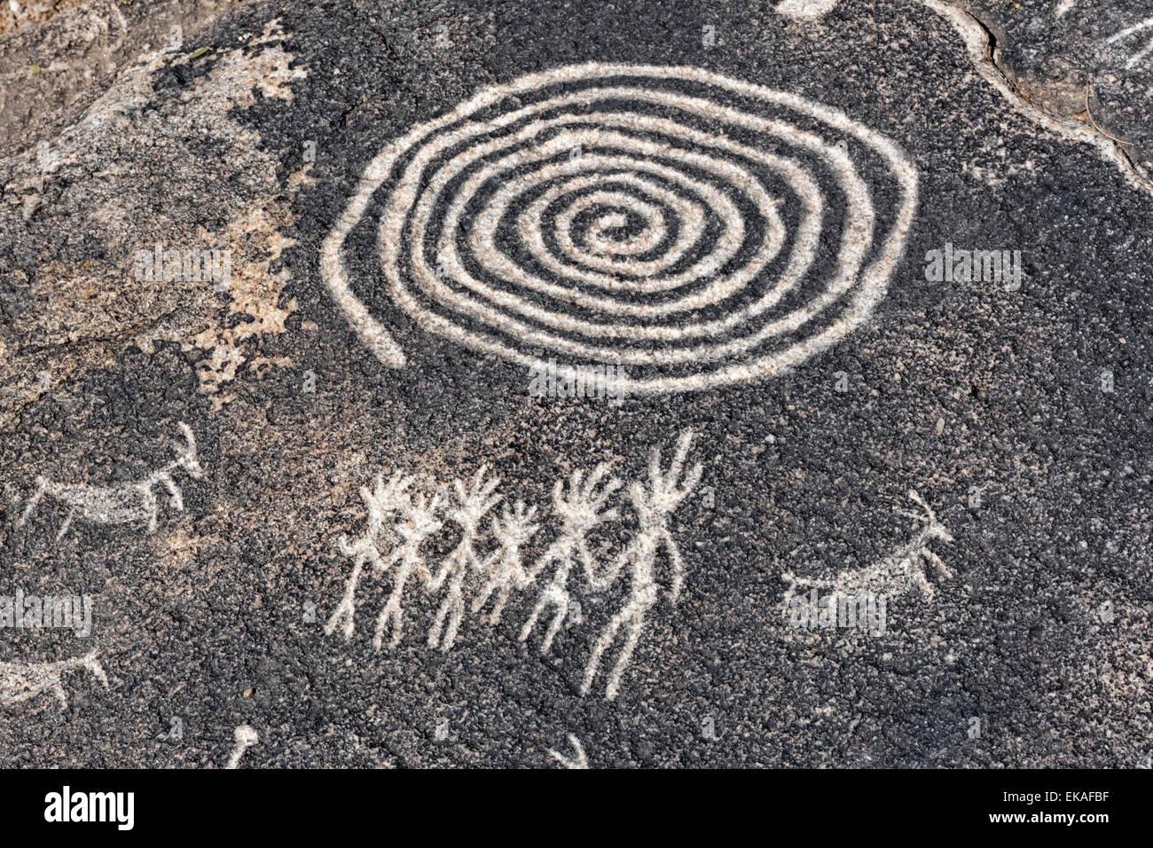 Petroglifos realizados por los indios Hohokam, quienes ocuparon los valles alrededor de Phoenix y Tucson entre 300Ð1500 Foto de stock