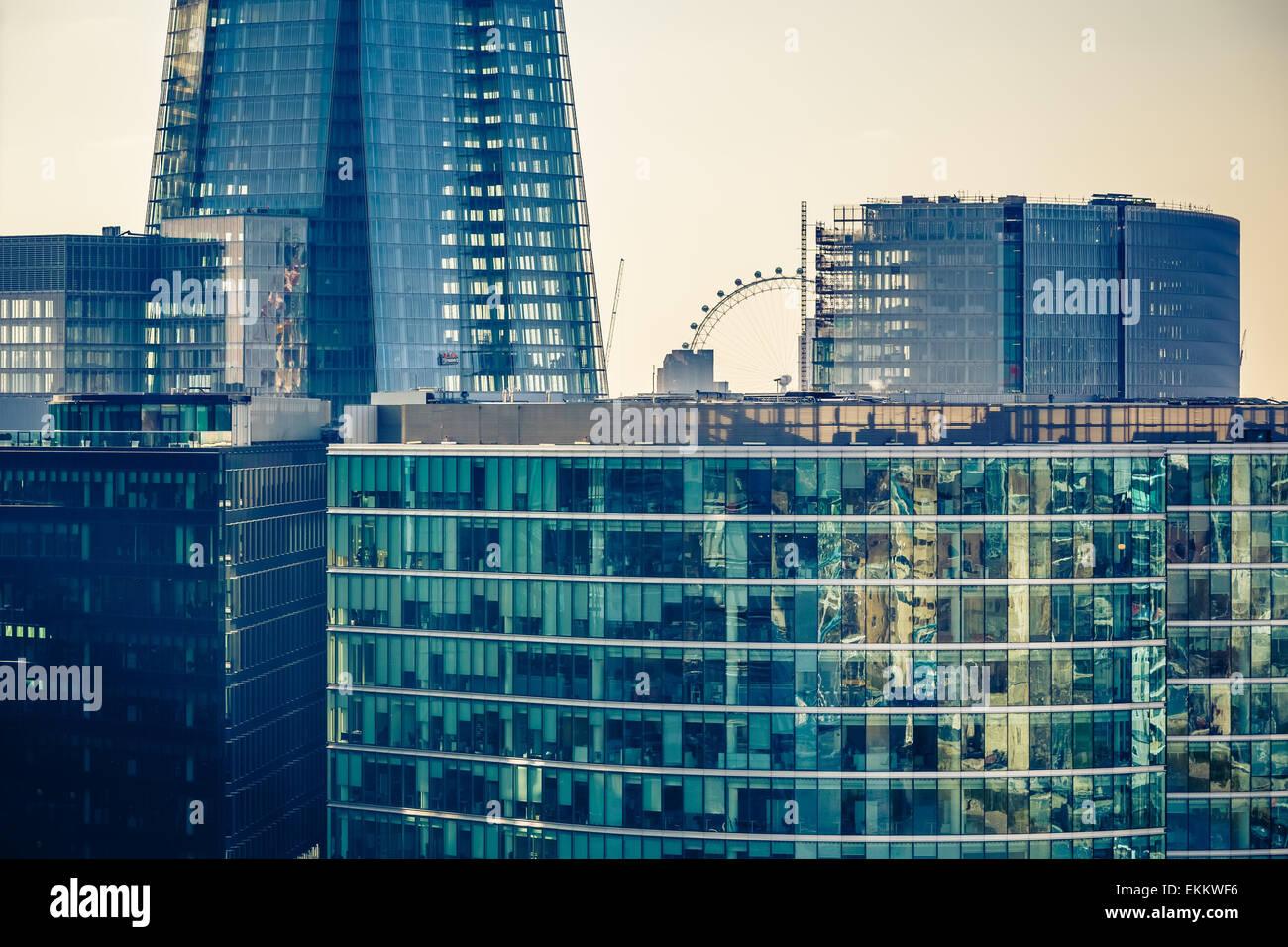 Los edificios de la ciudad de Londres. Foto de stock