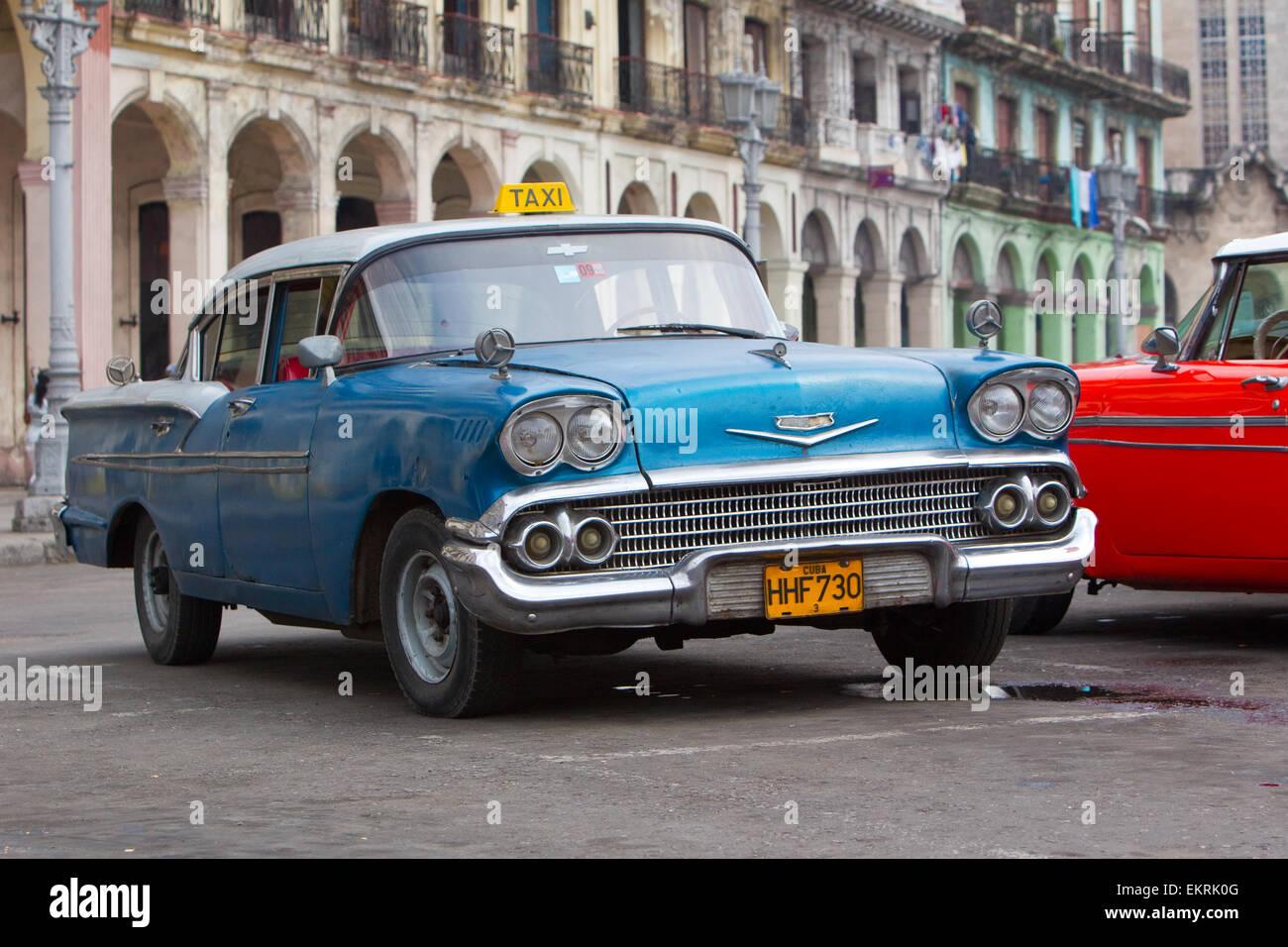 Coches clásicos americanos o los automóviles de los años 1920 y 1930 en La Habana, Cuba Imagen De Stock