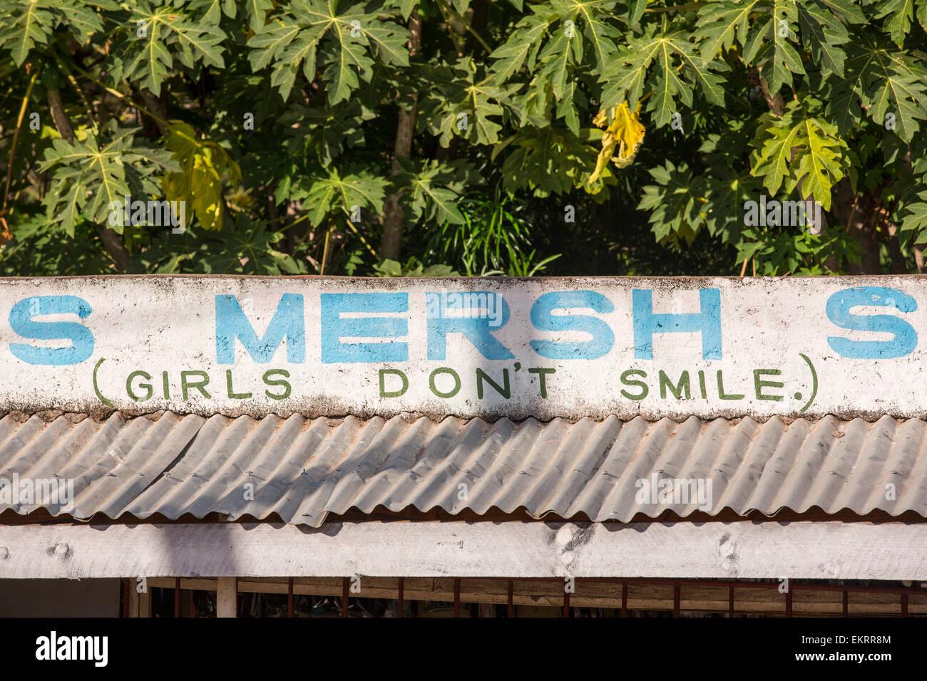 Una extraña declaración sobre una tienda de Malawi, África. Imagen De Stock