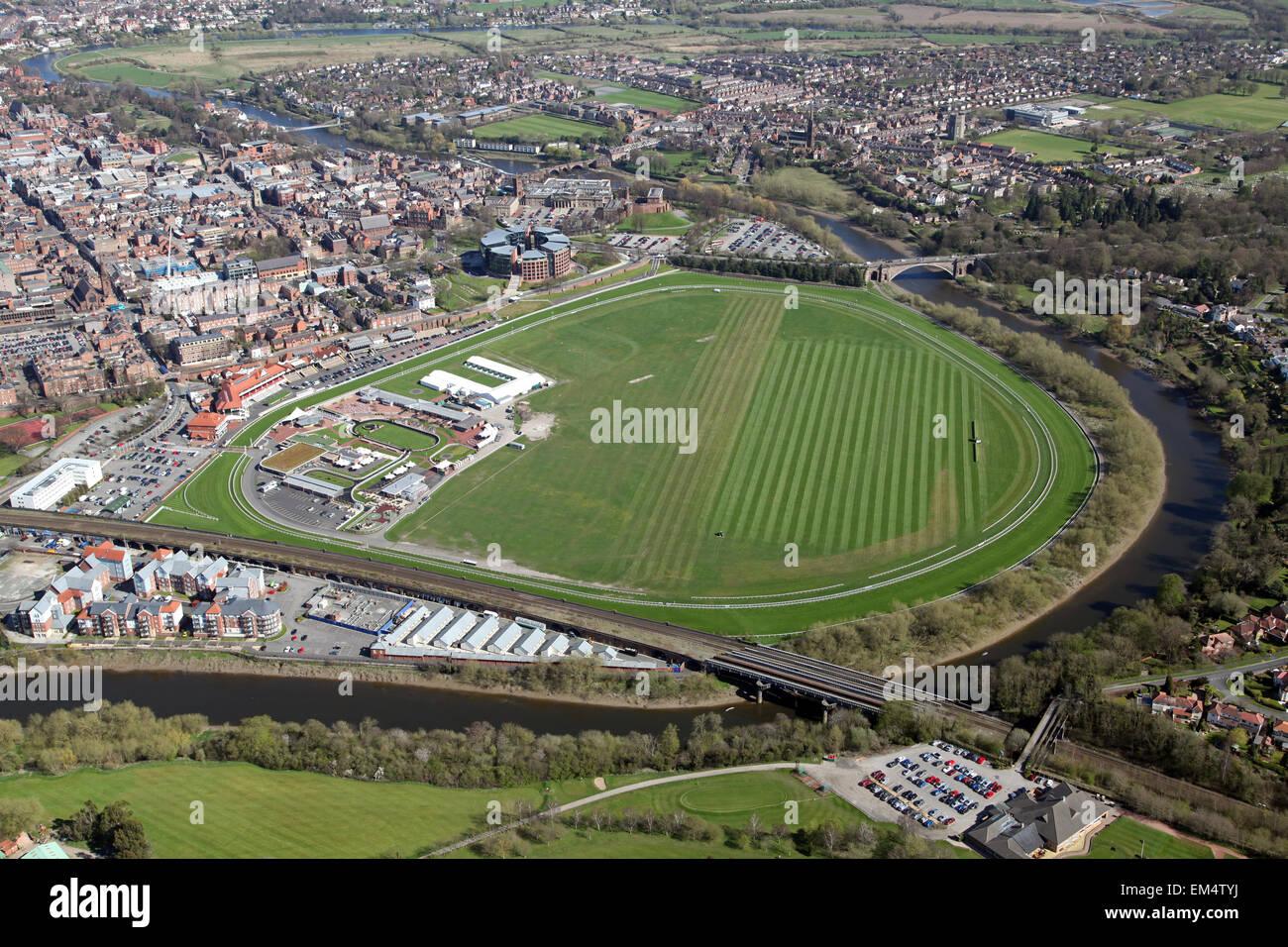 Vista aérea de Chester Racecourse, conocido como el Roodee en Cheshire, Reino Unido Imagen De Stock