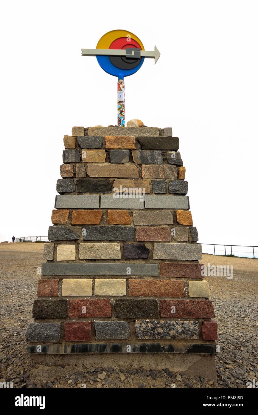 Monumento en el Cabo Norte, Nordkapp, Finnmark, Noruega, Escandinavia, Europa Imagen De Stock