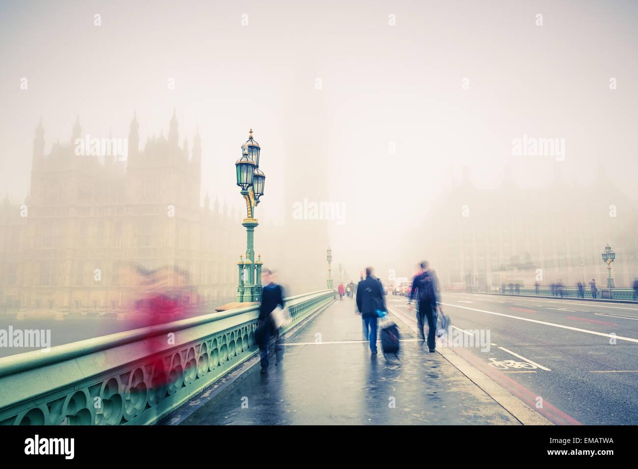 El puente de Westminster en Londres Foto de stock