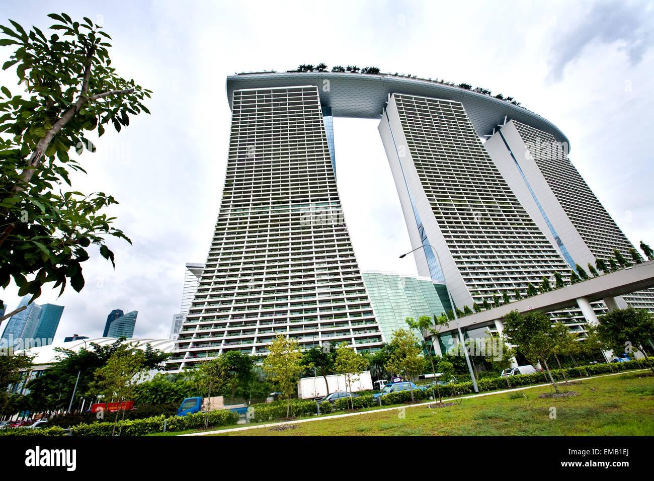 Singapur 21 Feb El Marina Bay Sands El Hotel Más Caro Del Mundo