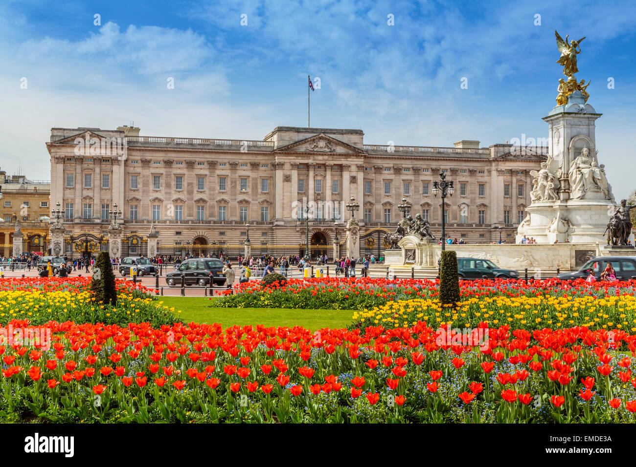 Una vista horizontal del Palacio de Buckingham, en el tiempo de primavera, la ciudad de Westminster, Londres, Inglaterra Imagen De Stock