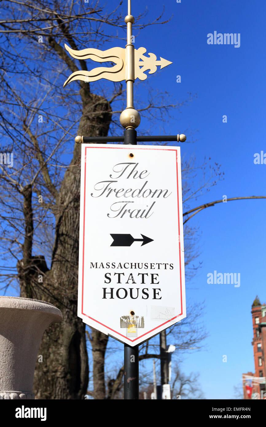 El Freedom Trail de Boston landmark. Signo de la Casa del Estado de Massachusetts, Boston, Massachusetts. Imagen De Stock