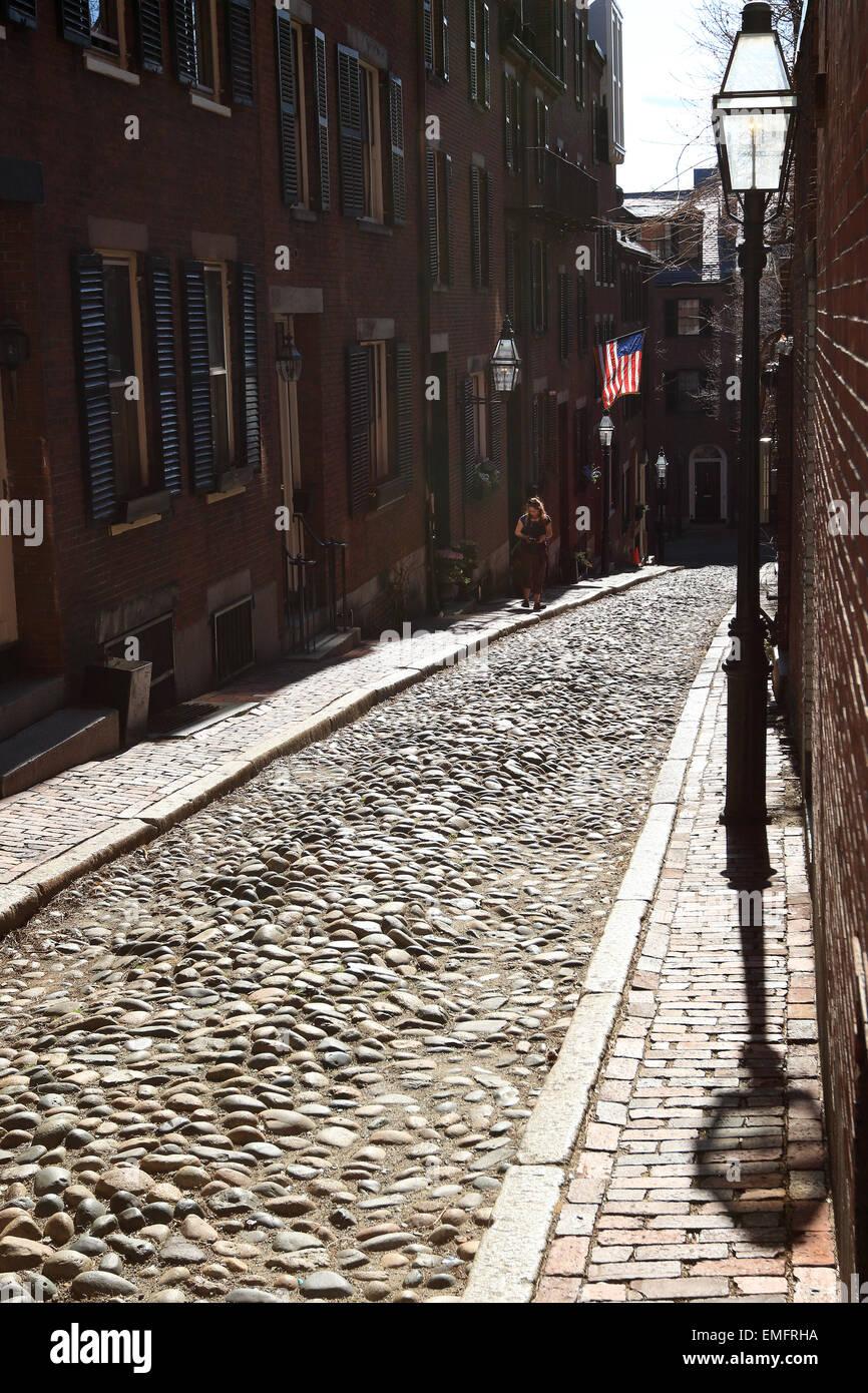 Boston Beacon Hill Street Bellota hito con adoquines. Imagen De Stock