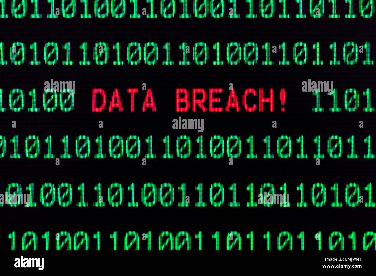 Fuga de datos mensaje en la pantalla de ordenador Foto de stock