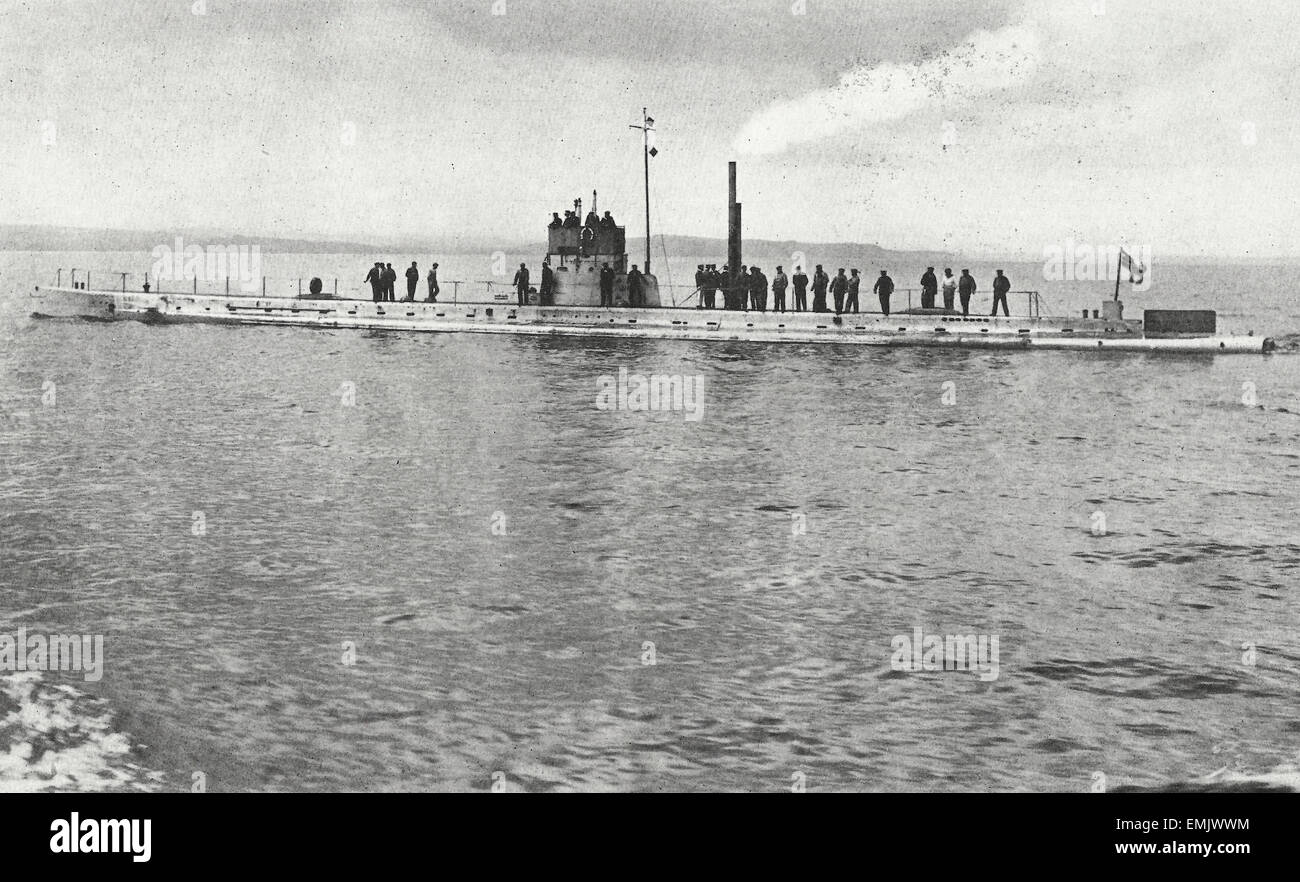 El submarino alemán U-11 en su viaje de prueba en el Mar del Norte, 21 de junio de 1911 Imagen De Stock