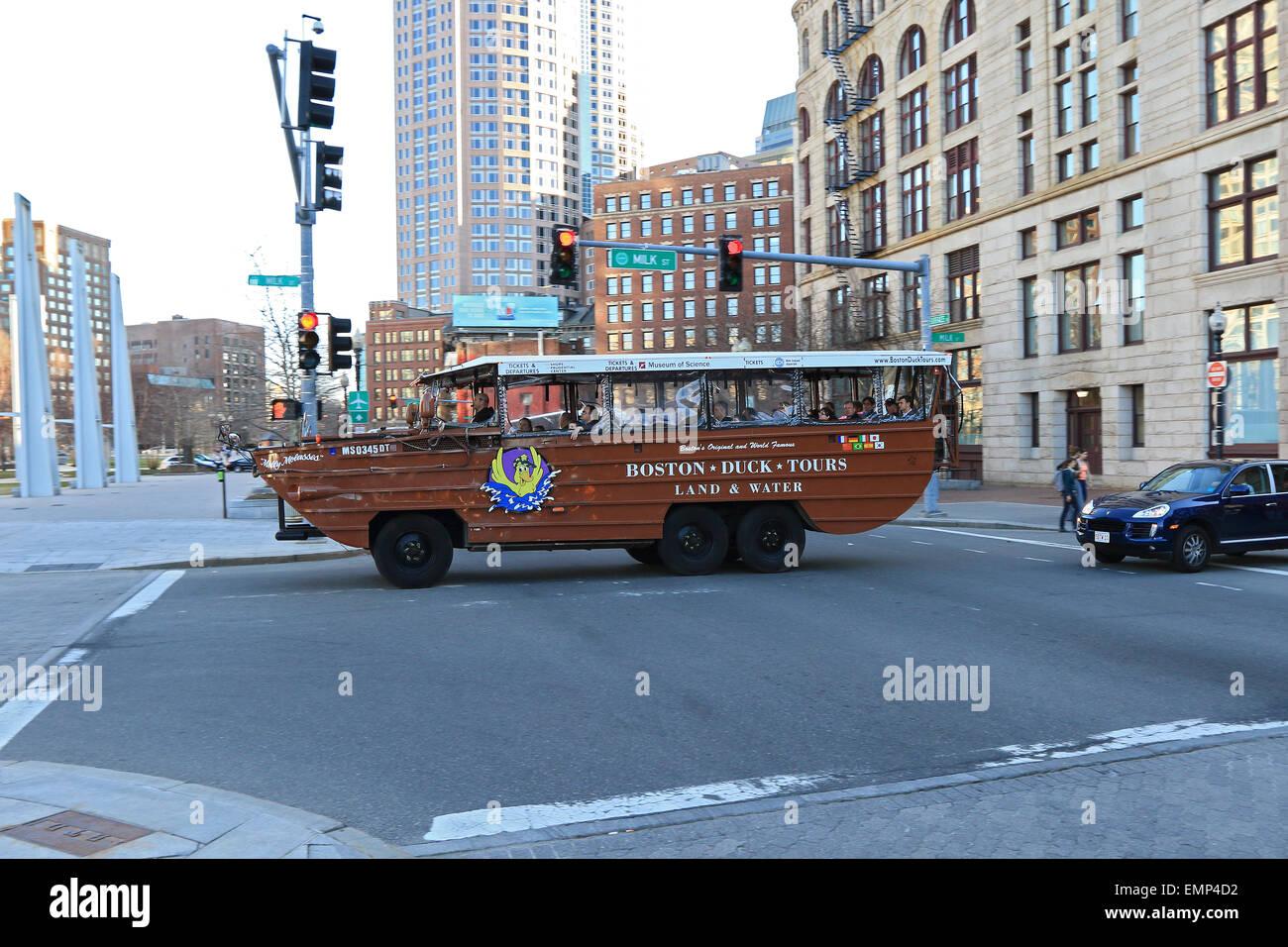 Massachusetts Boston Duck Tour en el centro de la ciudad y el puerto de Boston. Foto de stock
