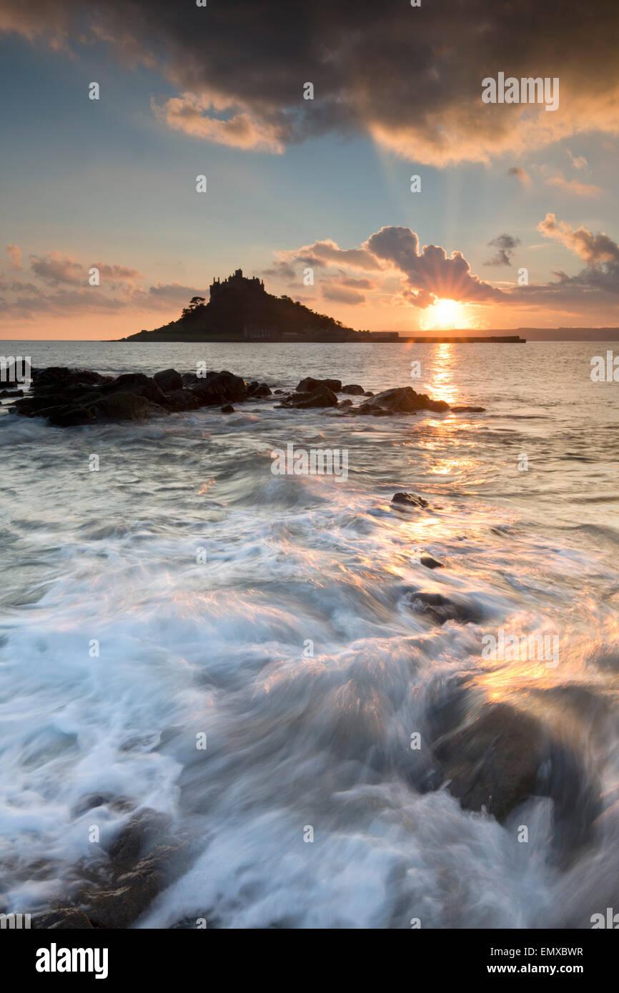 St Michael's Mount; Atardecer desde Marazion; Cornwall; UK Imagen De Stock