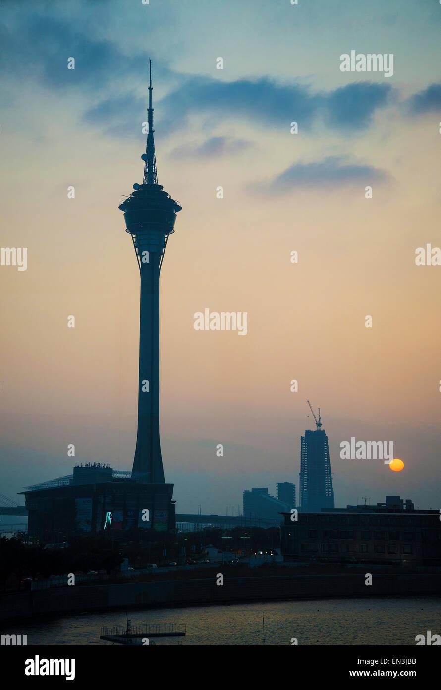 Edificio de la torre de Macao Landmark at Sunset en Macao Macao, China Imagen De Stock