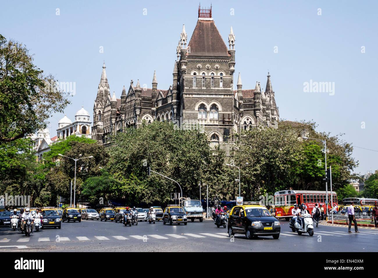 Asia India Mumbai Mumbai Fort calle Mahatma Gandhi edificios orientales tráfico automóviles automóviles Imagen De Stock