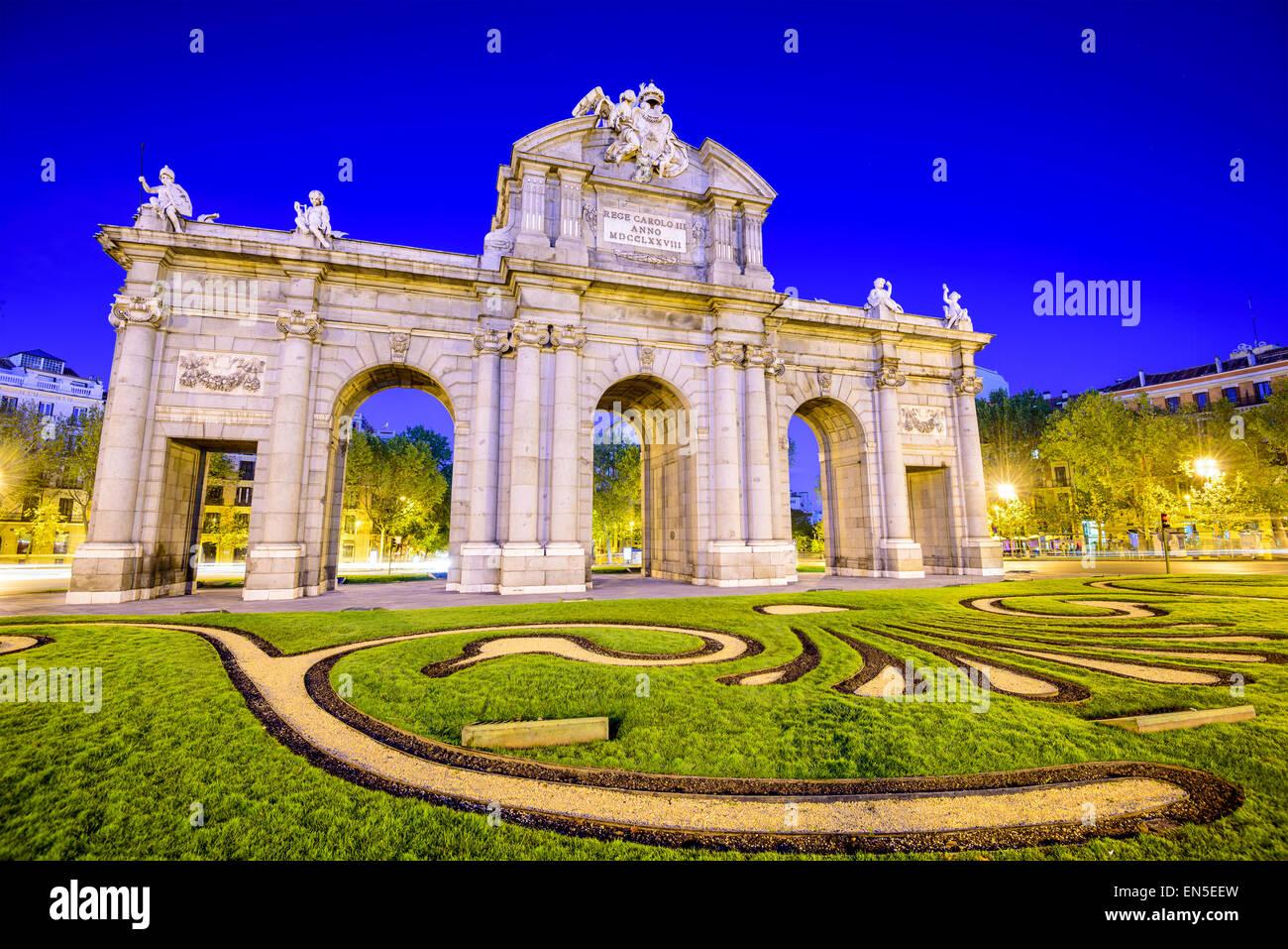 Madrid, España, en la Puerta de Alcalá puerta. Imagen De Stock