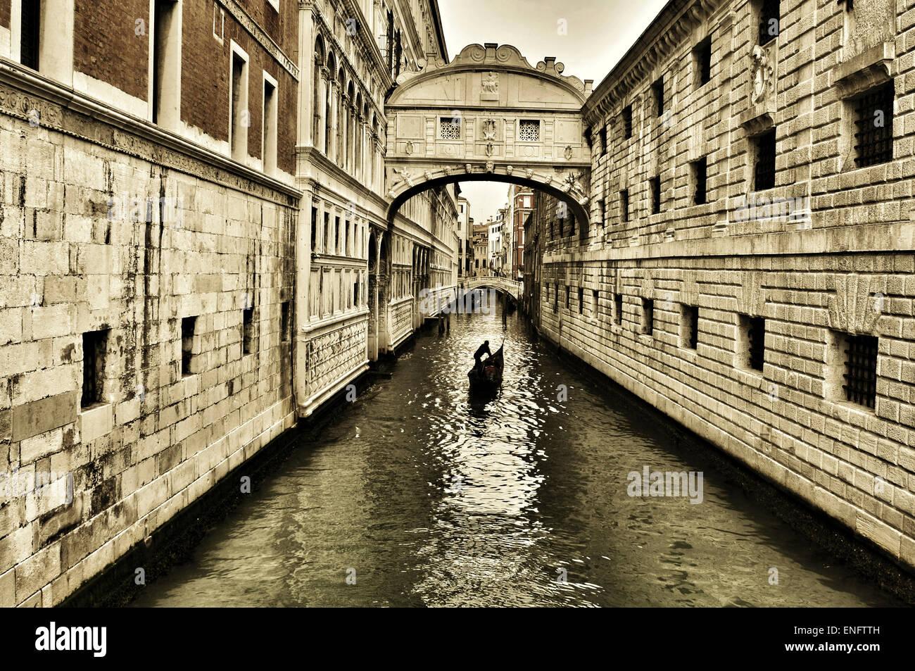 Una vista del Puente de los suspiros en Venecia, Italia Imagen De Stock