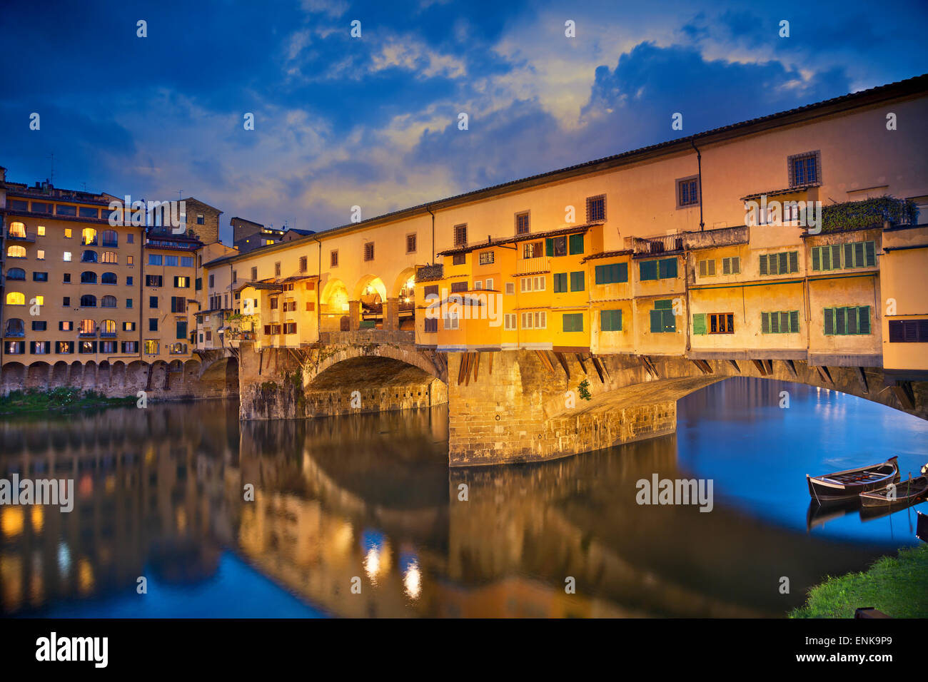 Florencia. Imagen de Ponte Vecchio en Florencia, Italia, al anochecer. Foto de stock