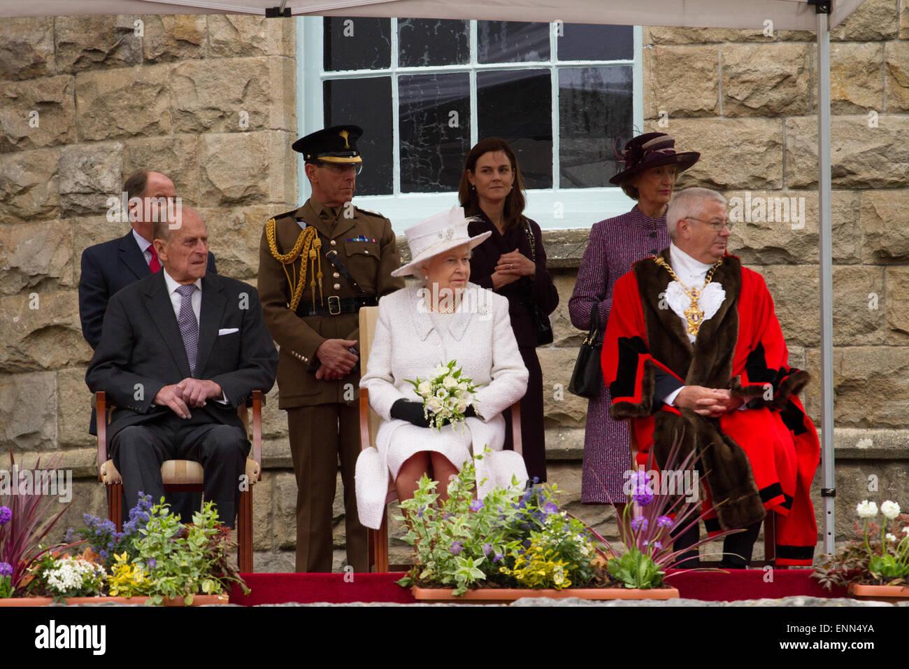 H.R.H El Duque de Edimburgo y la Reina visitando Cyfarthfa Castle en Merthyr Tydfil, Gales del Sur, como parte de Imagen De Stock