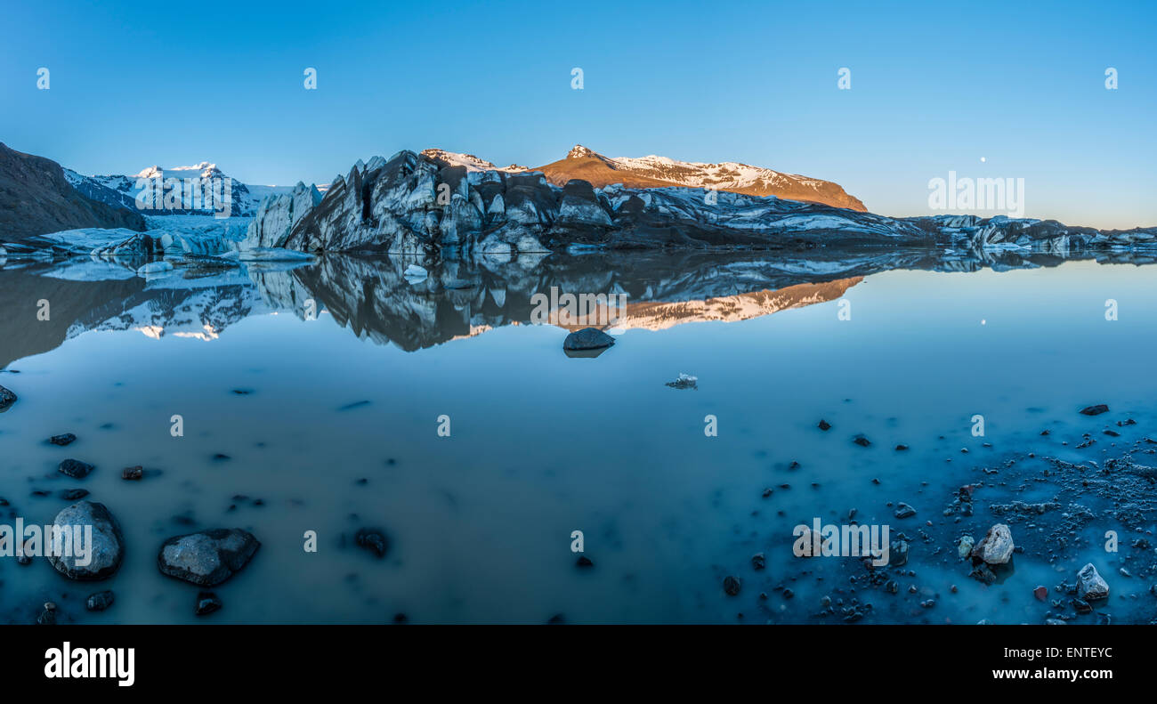Svinafellsjokull lago glacial, el Parque Nacional Skaftafell, Vatnajokull, Islandia Imagen De Stock