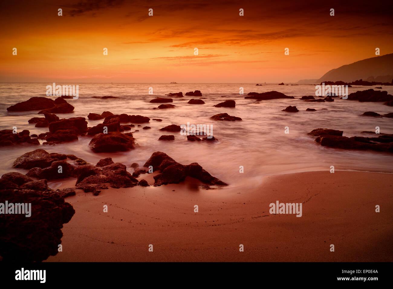 Sunset posluminiscencia en cola Playa, Canacona,Goa, India Imagen De Stock
