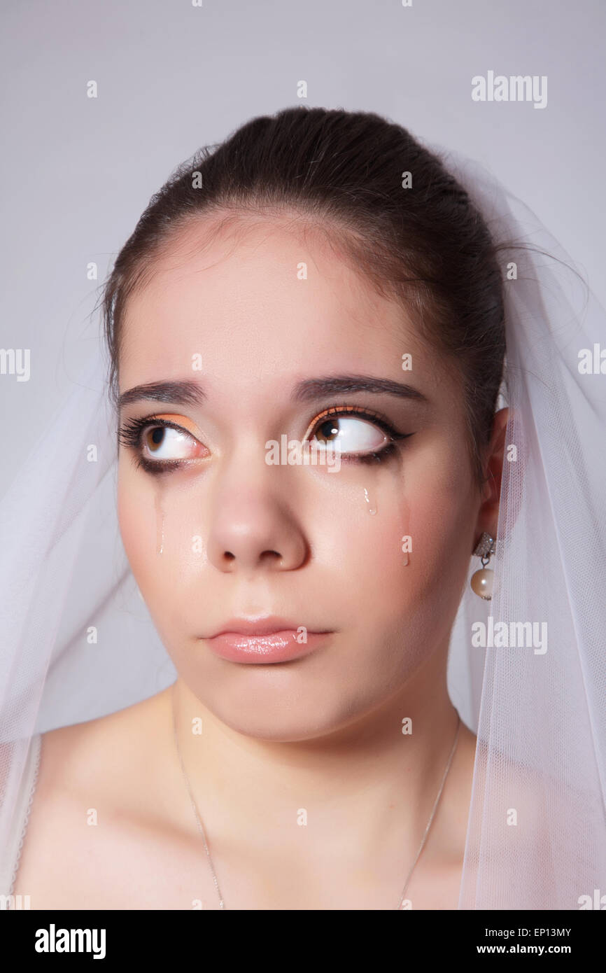 Crying Bride Imágenes De Stock & Crying Bride Fotos De Stock - Alamy