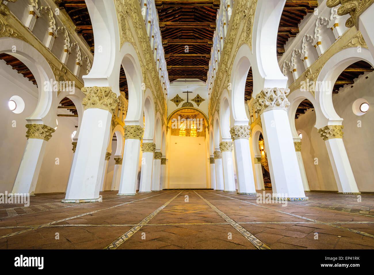 Iglesia de Santa María La Blanca en Toledo, España, oiginally conocida como la sinagoga Ibn Shushan. Imagen De Stock