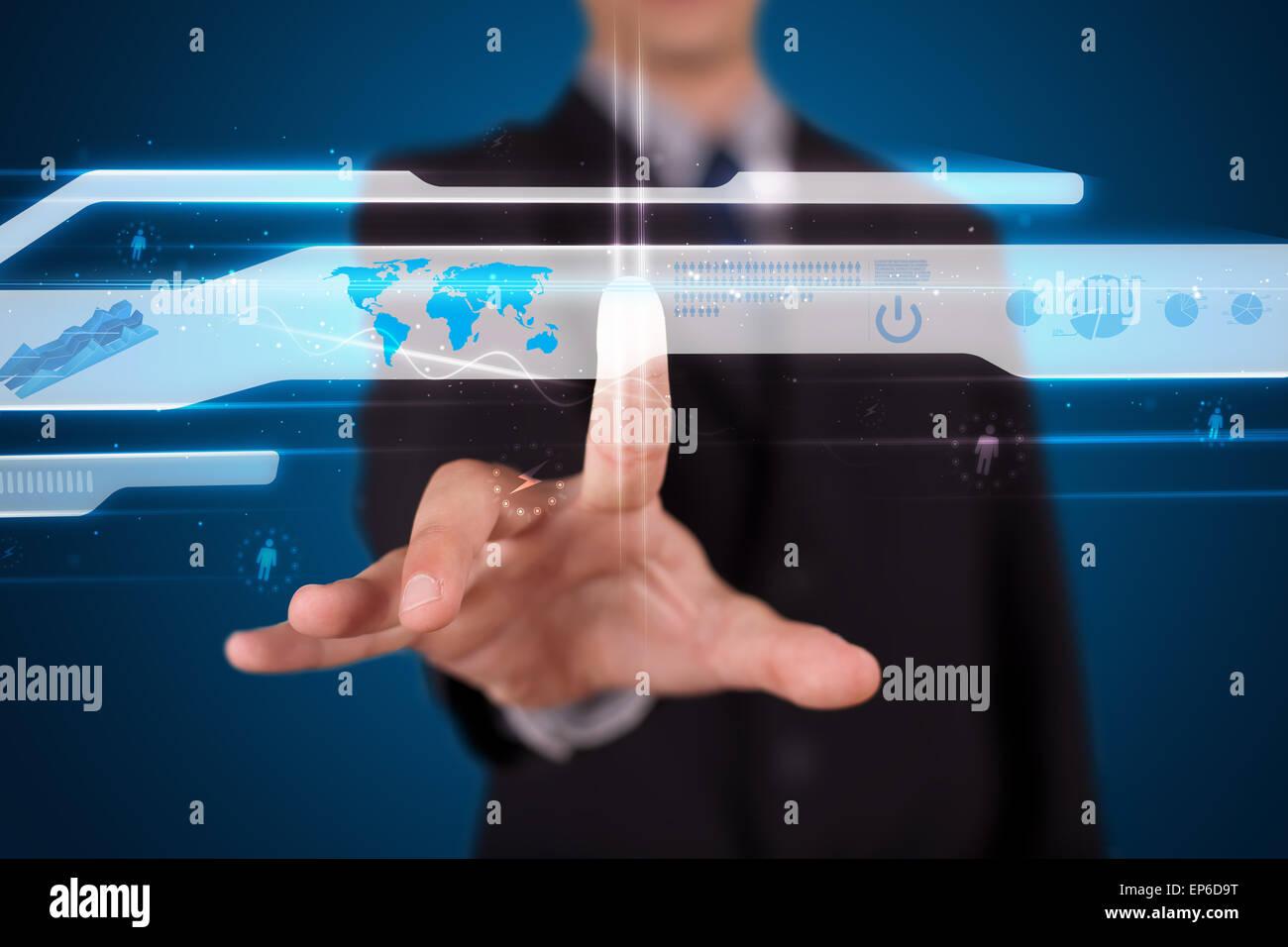 Empresario pulsando high tech tipo de botones modernos Imagen De Stock