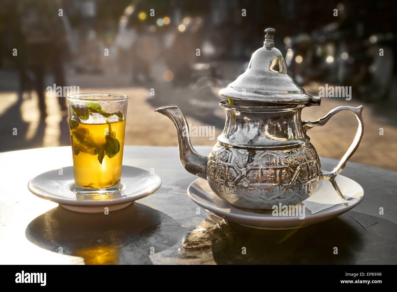 Té de menta tradicional. Marruecos Imagen De Stock