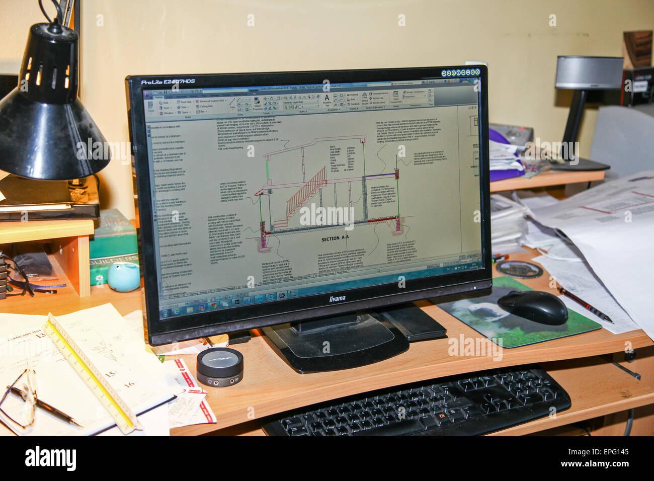 Un plan de arquitectos se muestra usando software de arquitectura de AutoCad en una pantalla de ordenador Imagen De Stock