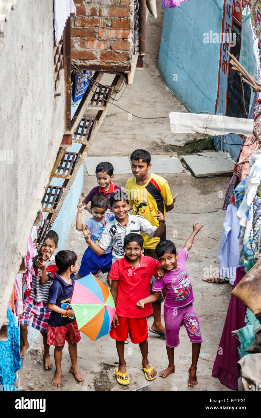 Mumbai, India Asia Kumbhar Dharavi ama de barrios de chabolas de alta densidad de población de bajos ingresos Imagen De Stock