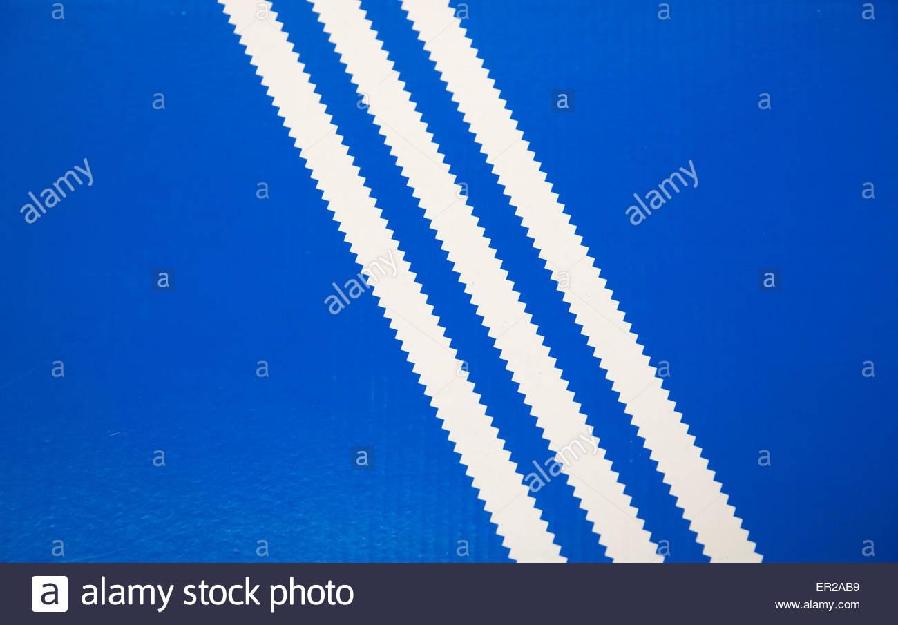 Azul De Logotipo Franjas Adidas Tres Antiguo Blancas Fondo Sobre UqxS8R