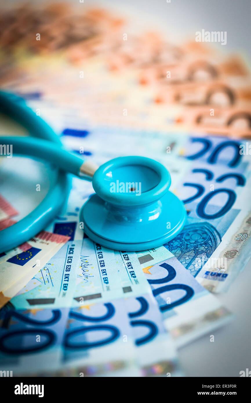Dinero médico. Imagen De Stock