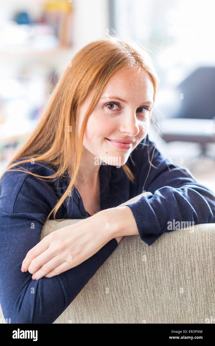 Retrato de una mujer. Imagen De Stock