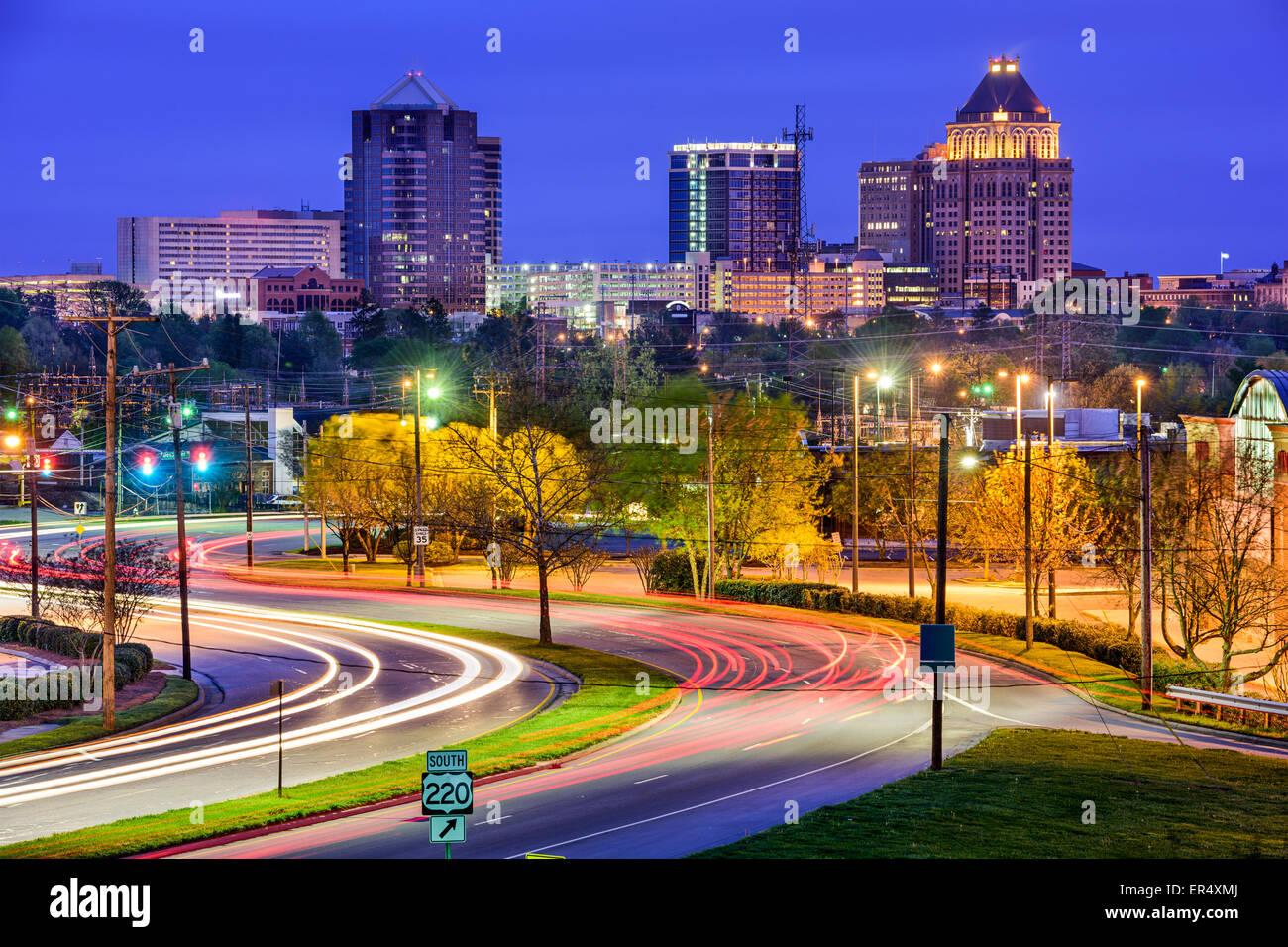 Greensboro, Carolina del Norte, EE.UU. Perfil del centro de la ciudad. Imagen De Stock