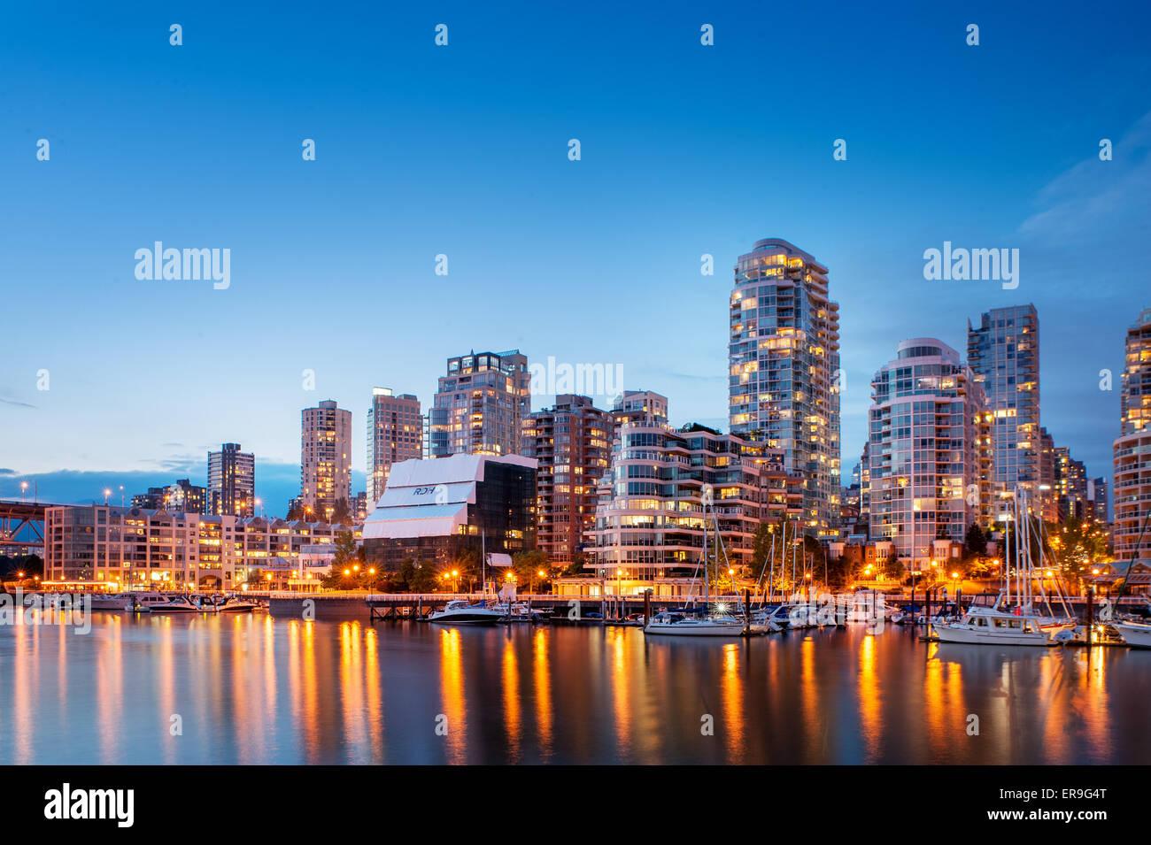 Vancouver skyline al atardecer. Vancouver, British Columbia, Canadá Imagen De Stock