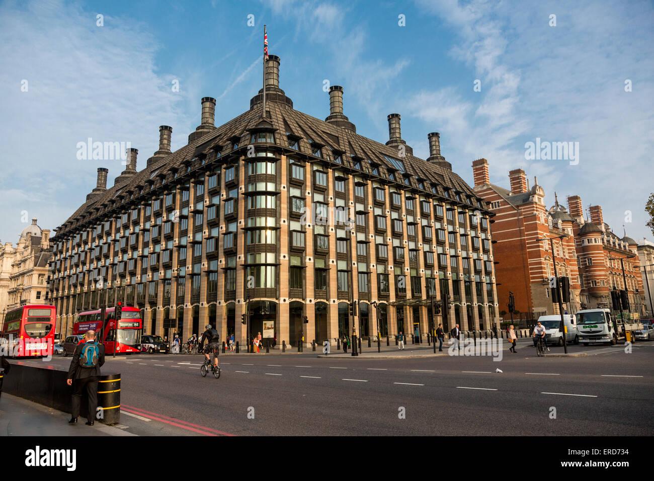 Reino Unido, Inglaterra, Londres. Portcullis House, el Parlamento las oficinas y las salas de comité. Foto de stock