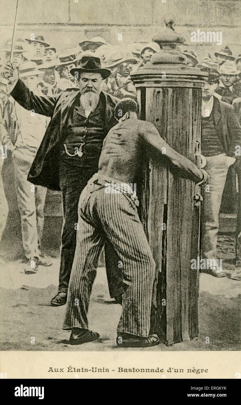 Americano blanco visto azotar un African-America c.a finales del siglo XIX. Imagen De Stock