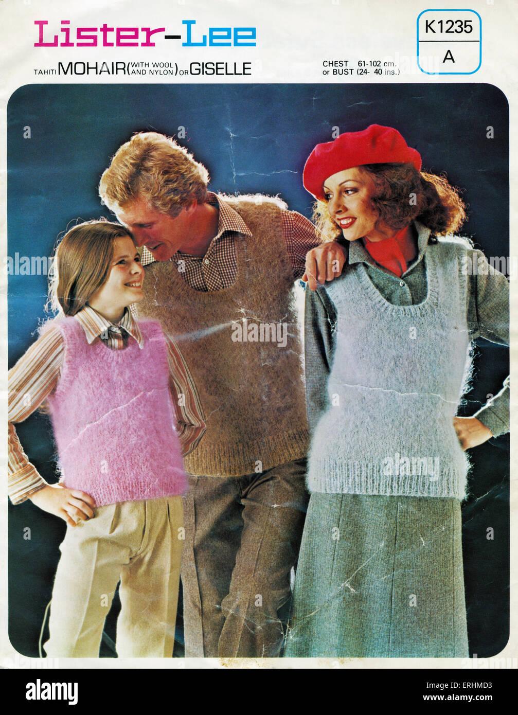 """""""Leeveless suéteres para la familia"""" -madre, padre y niño vistiendo jerseys de mohair. Desde Imagen De Stock"""