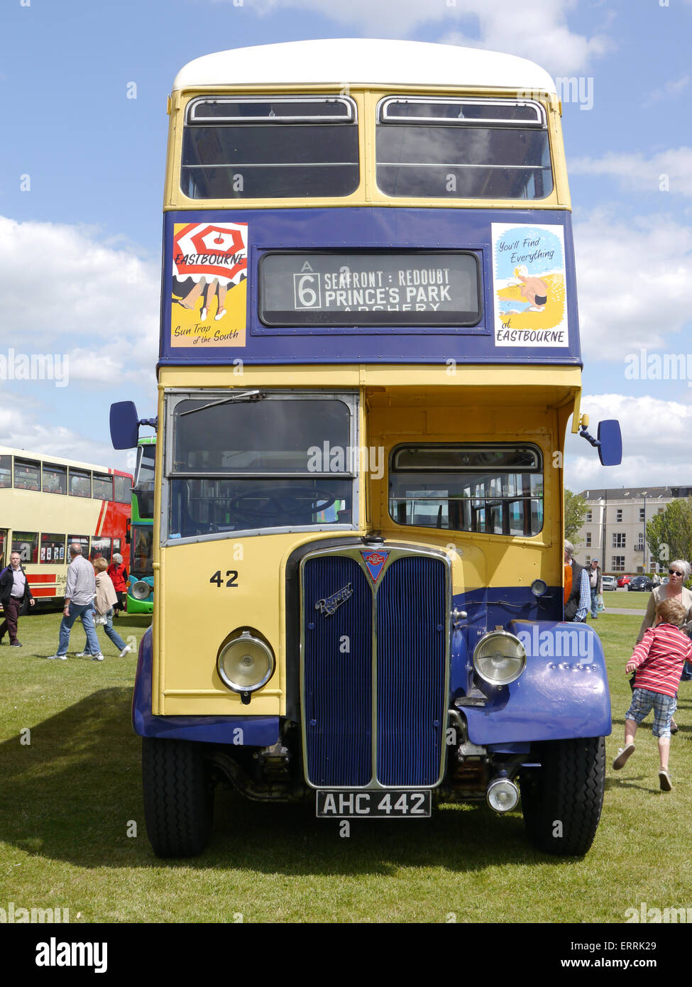 1951 AEC Regent III en Eastbourne bus Corporation livery Foto de stock