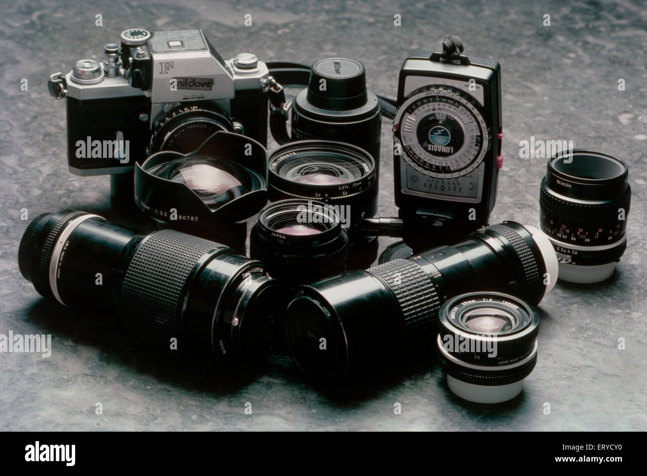 Nikon F Camera Imágenes De Stock & Nikon F Camera Fotos De Stock - Alamy