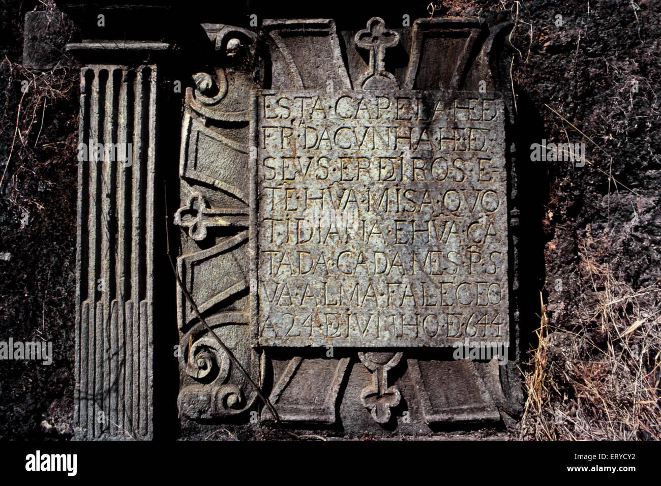 La antigua Goa script en piedra antigua India ; Imagen De Stock