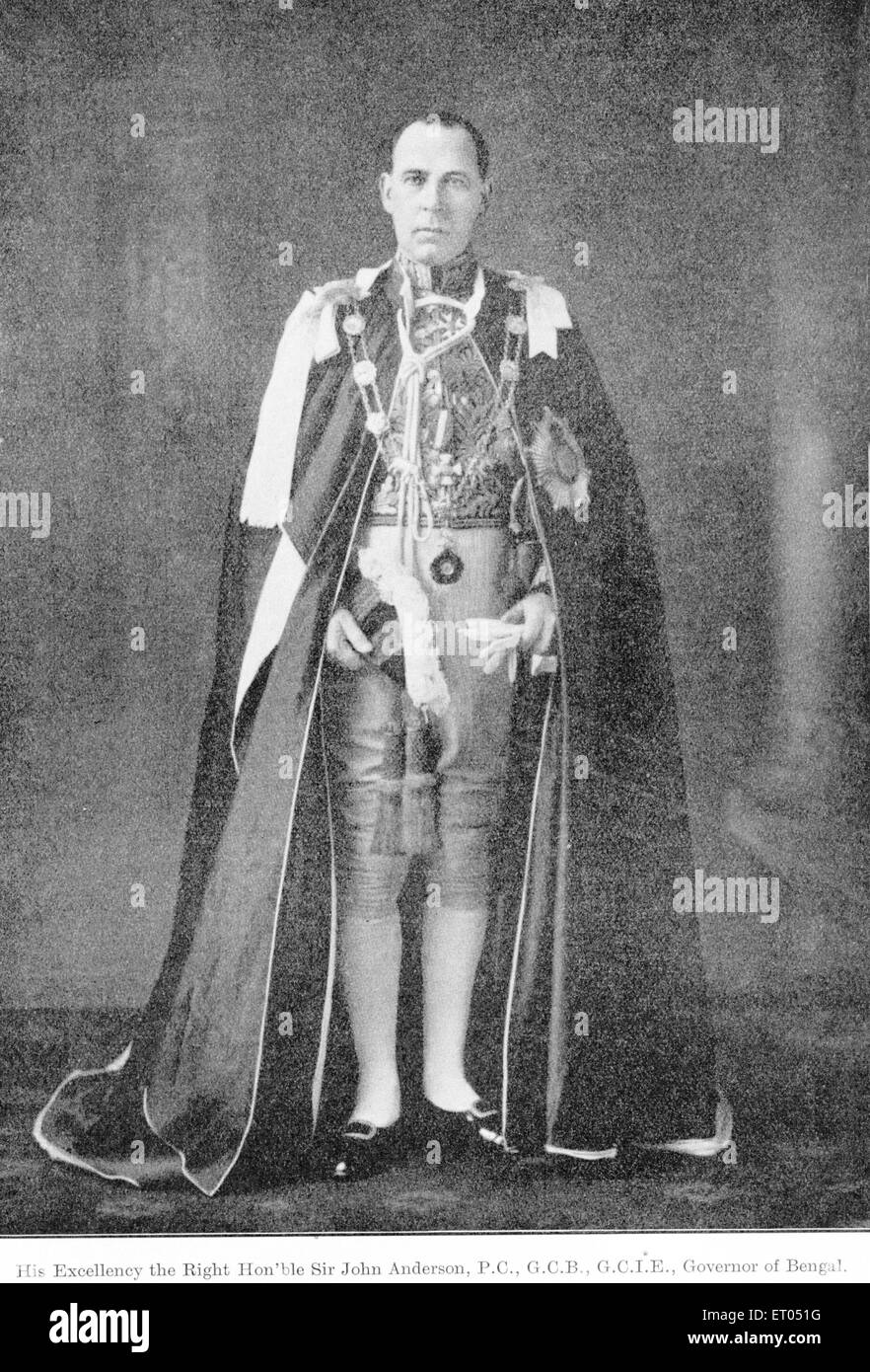 Los funcionarios británicos; Su Excelencia el Muy Honorable Sir John Anderson ; P.C. ; G.C.B. ; G.C.I.E. ; Imagen De Stock
