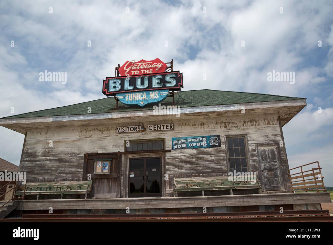 Tunica, Mississippi - la puerta de entrada al museo del blues y el centro de visitantes. Imagen De Stock