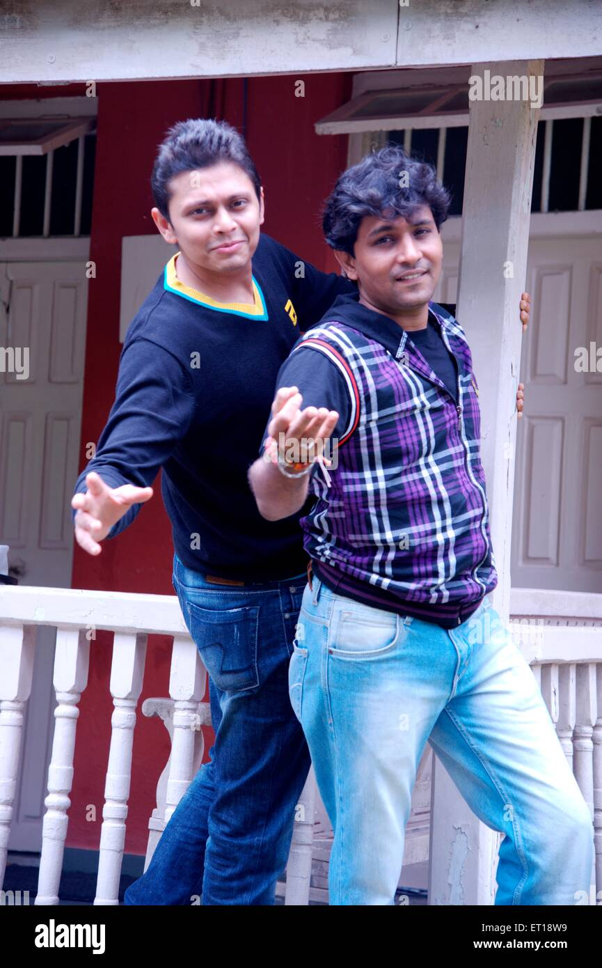 Two Teenagers Dancing Imágenes De Stock & Two Teenagers Dancing ...