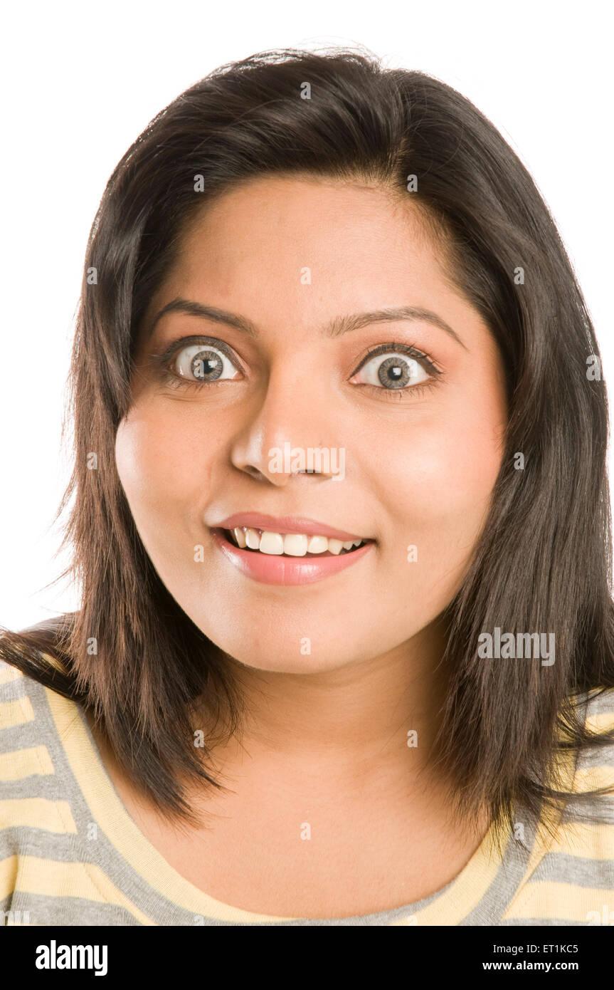 Chica Expresando sorpresa Pune, Maharashtra, India Asia Feb 2011 MR#686 X Imagen De Stock