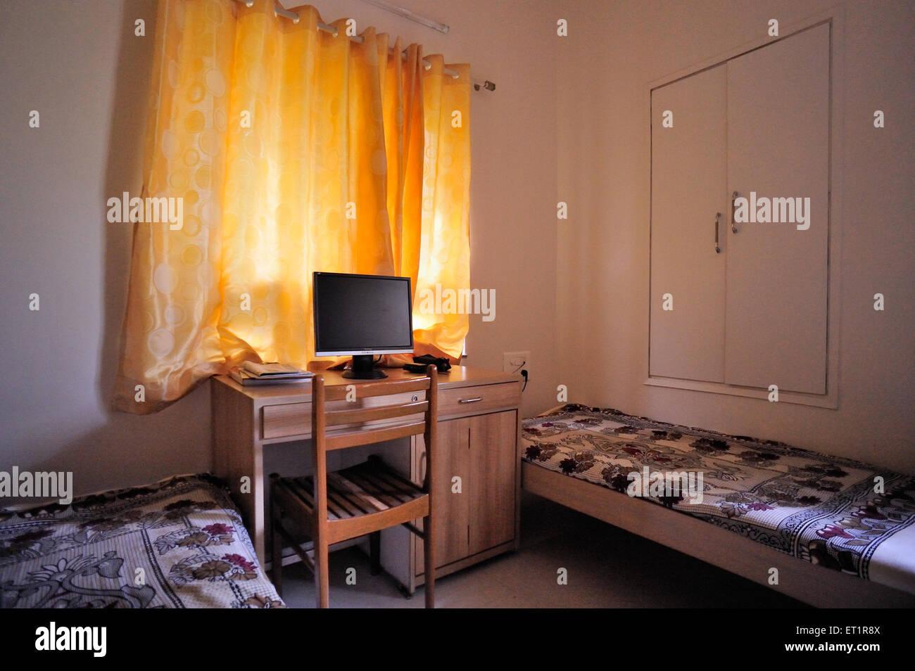 Sala de estudio con cama Imagen De Stock