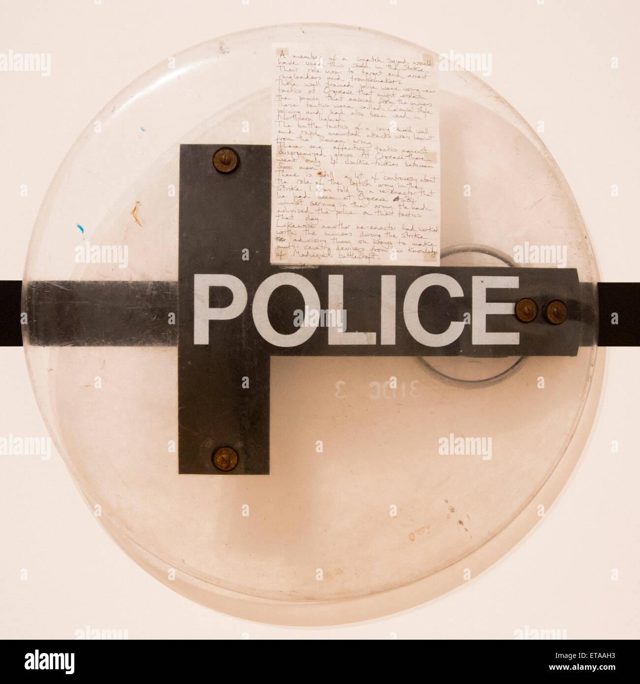 Londres, Reino Unido. 8 de junio de 2015. Foto: un escudo de la policía que podrían haber sido utilizados Imagen De Stock