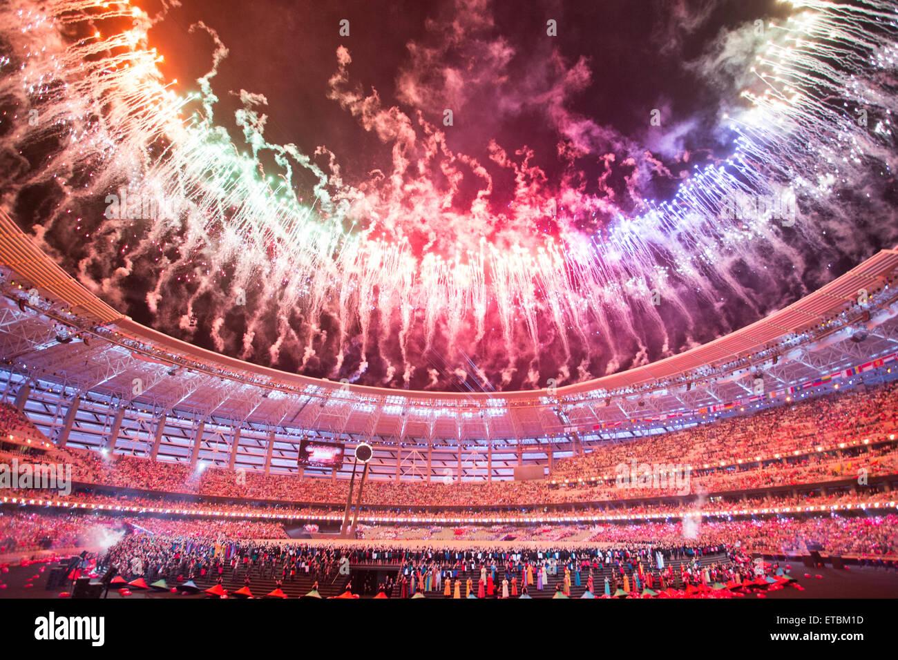 En Bakú, Azerbaiyán. 12 de junio de 2015. Ceremonia de apertura de los juegos europeos. Crédito: Imagen De Stock