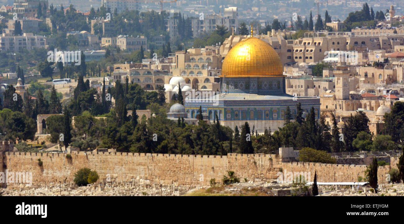 Paisaje urbano vista de Jerusalén y la cúpula de la roca en el Monte del Templo en Jerusalén desde Imagen De Stock